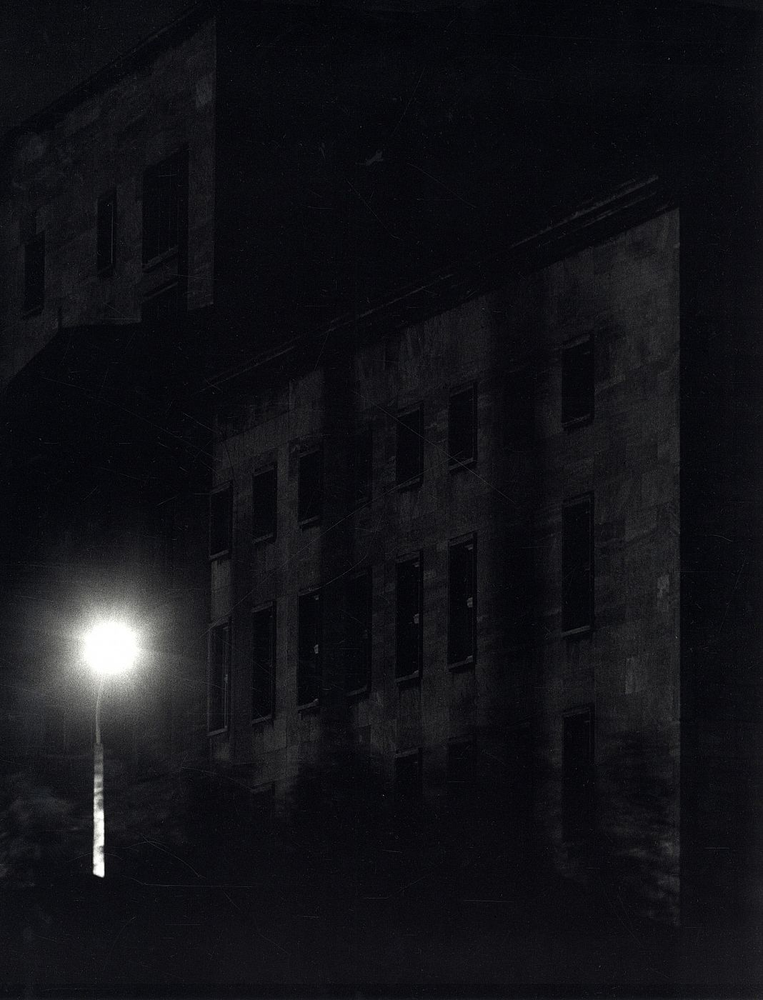 Stadt des Schwarz: Eighteen Photographs by John Gossage, Limited Edition (with Tipped-In Gelatin Silver Print) [SIGNED]