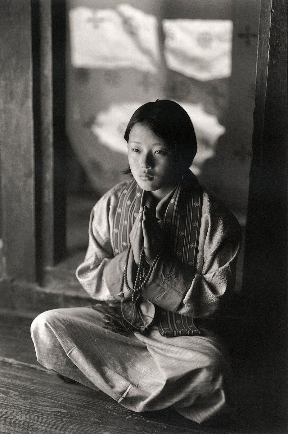 Kenro Izu: Bhutan: The Sacred Within [SIGNED] [IMPERFECT]