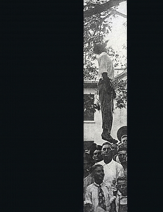 Without Sanctuary: Lynching Photography in America (First Printing). Hilton ALS, Leon F.,...
